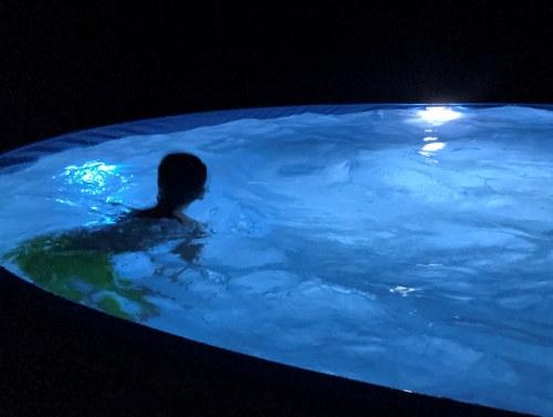 led-poolbeleuchtung-2