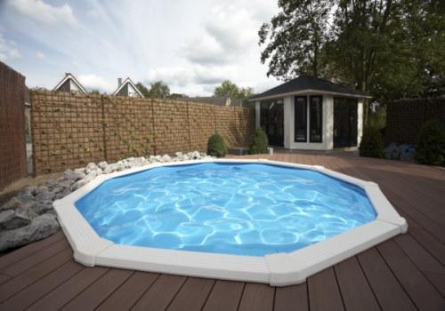 schwimmbecken-mit-breitem-handlauf-4