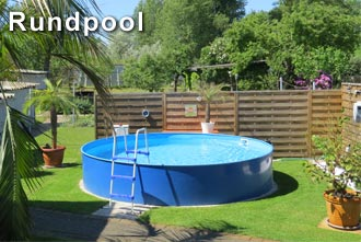 Stahlwandpool freistehend im Garten von Profi-Poolwelt